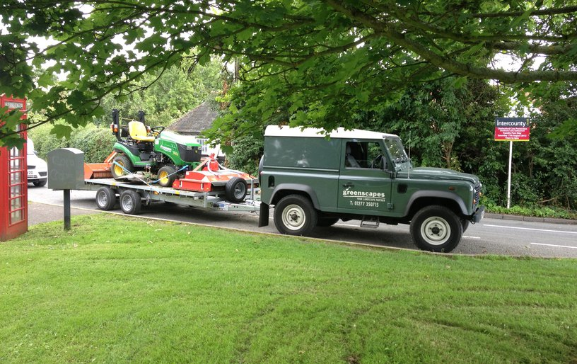 Idc greenscapes ltd grounds maintenance and landscape for Landscaping companies